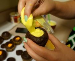 candy-corn-cupcake 8