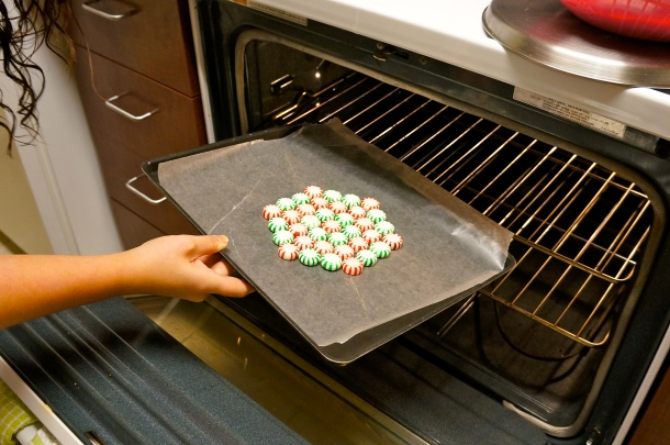 baking peppermint plate