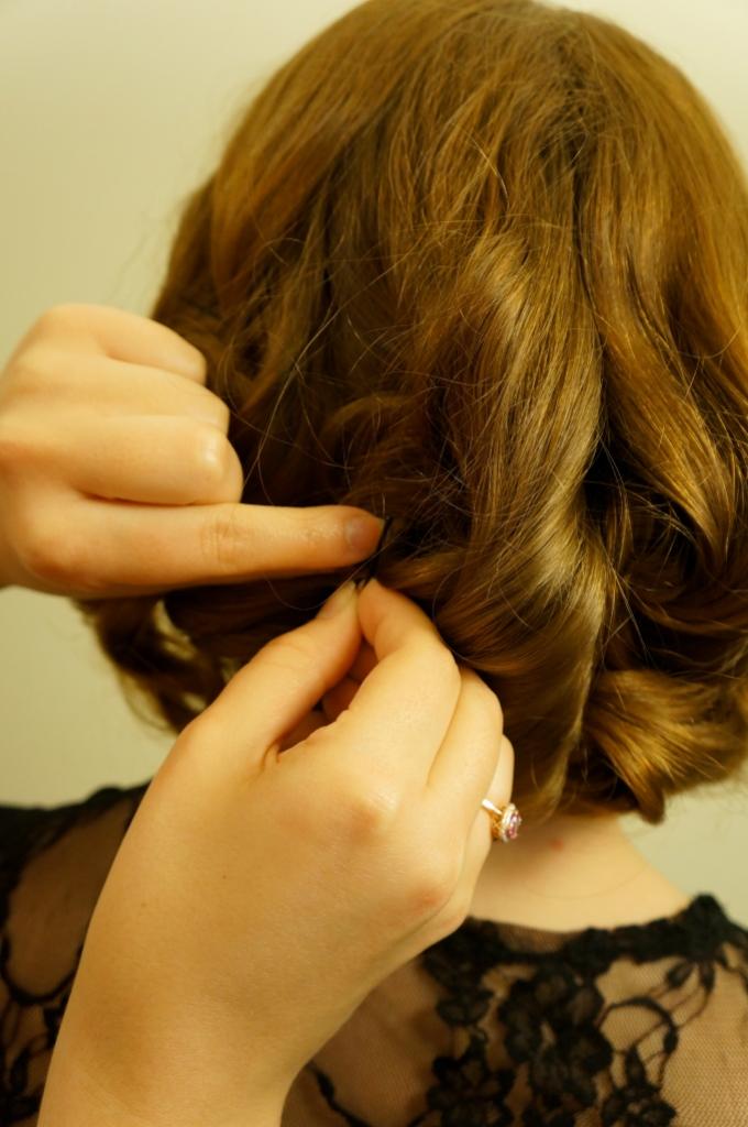 short-hair-with-bobby-pins