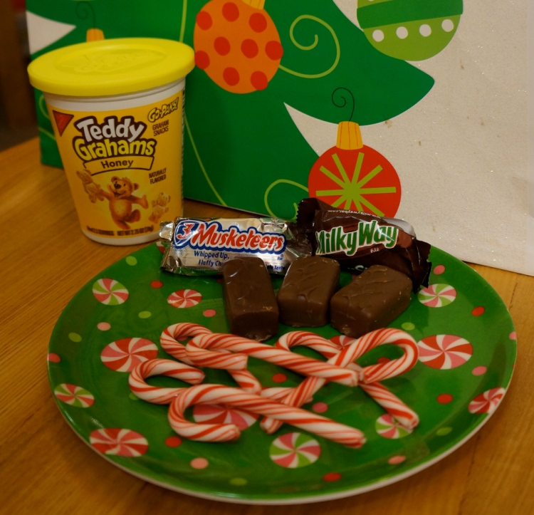 candy-cane-party-treats