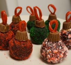 chocolate-cake-ball-ornaments