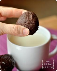 truffle-hot-chocolate-ball
