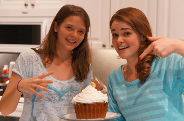 Giant-brownie-cupcake