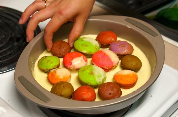 baking cupcakes into a cake