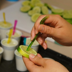 How to make margarita popsicles
