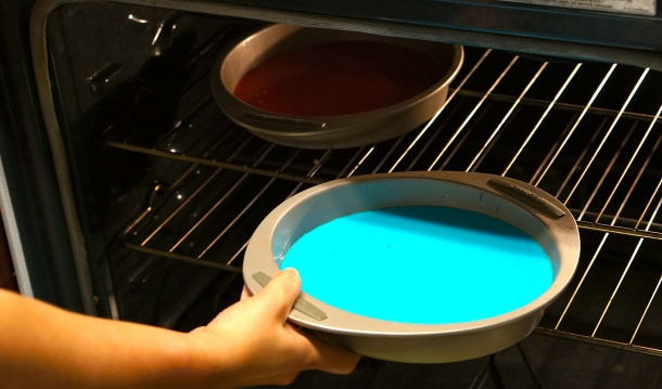bake-red-and-blue-cake