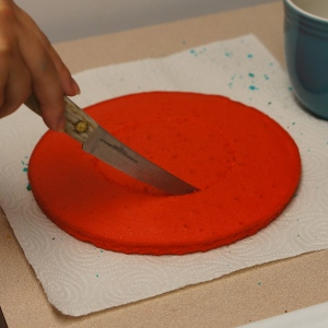 Cut-the-red-cake
