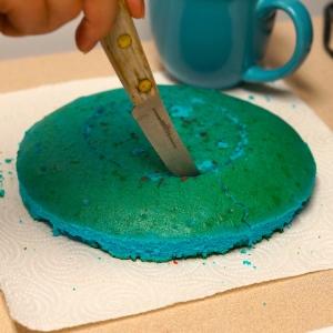 Cut-blue-cake