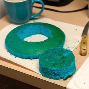 separate-blue-cake