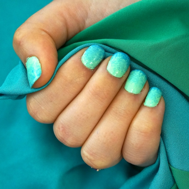 How to do ombre nails we 39 re calling shenanigans for What is ombre design