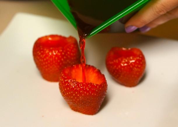 picture-of-stawberry-margarita-jello-shot