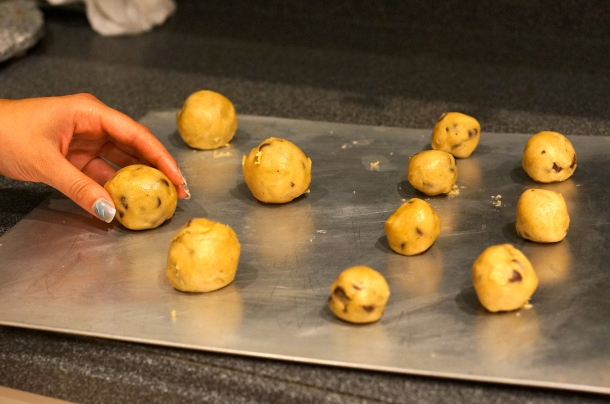 baking big cookies