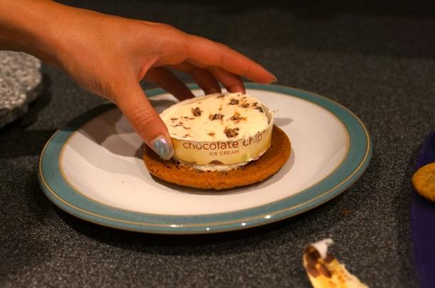 ice cream cookie sandwich trick