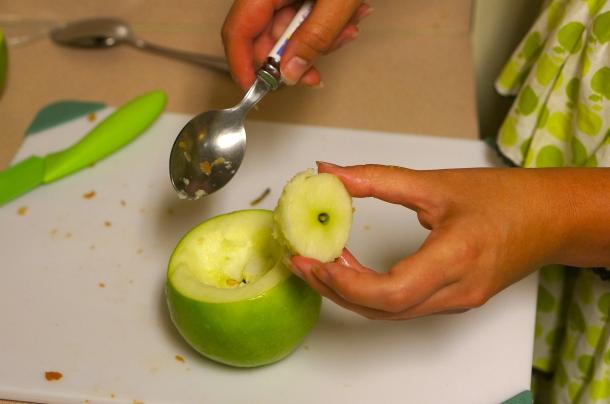 make-an-apple-cup