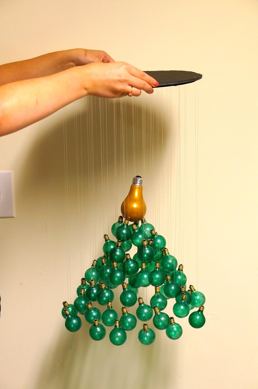 DIY-Christmas-tree-mobile-with-light-bulbs